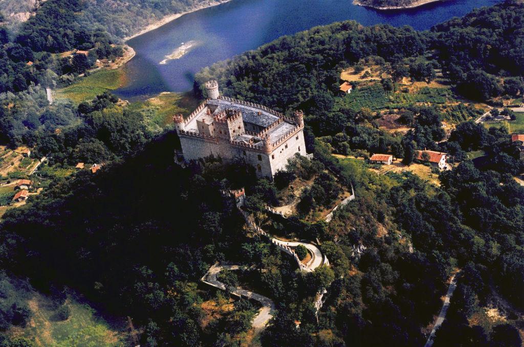 Montalto_dora_castello_panoramico